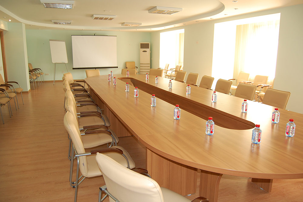 Big Conference Room For Persons From Rubles Per Hour - Big conference table